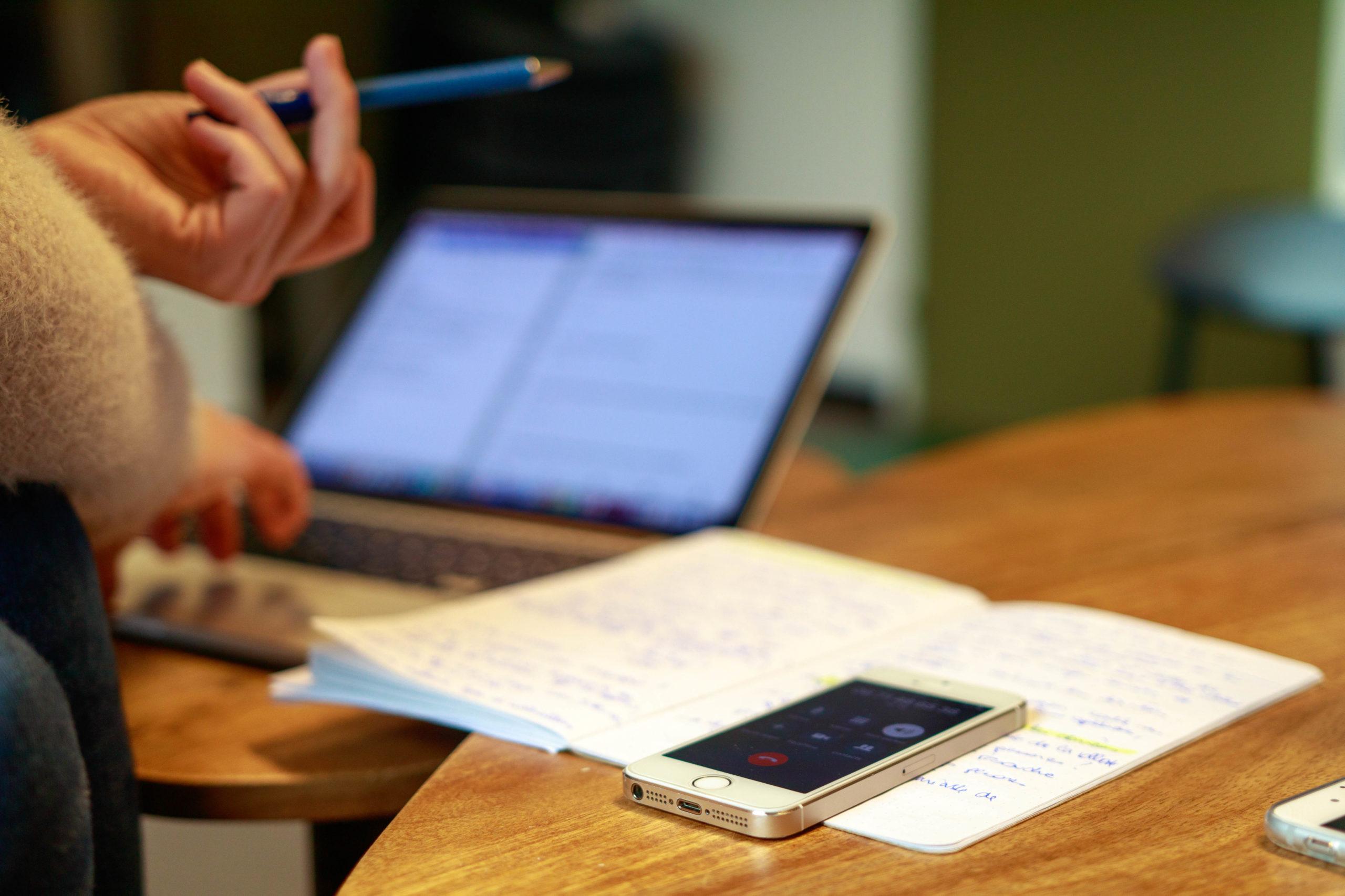 Entretien téléphonique pour comprendre les besoins et usages des utilisateurs